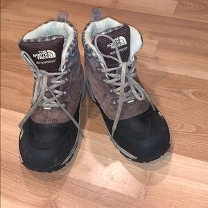 The North Face 200 gram insulated boots size 3